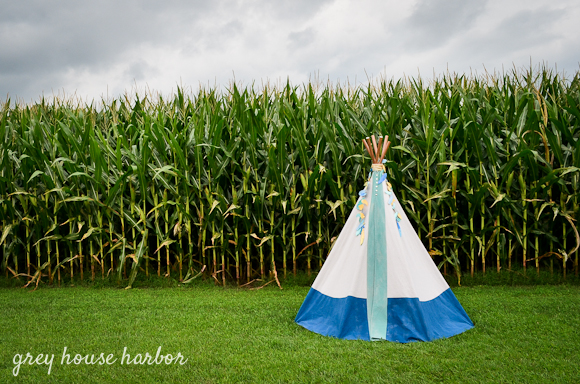 DIY No Sew Kids Teepee  |  greyhouseharbor.com
