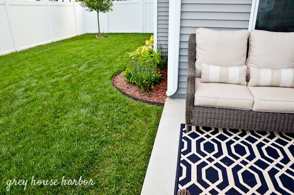 gorgeous backyard makeover greyhouseharbor.com