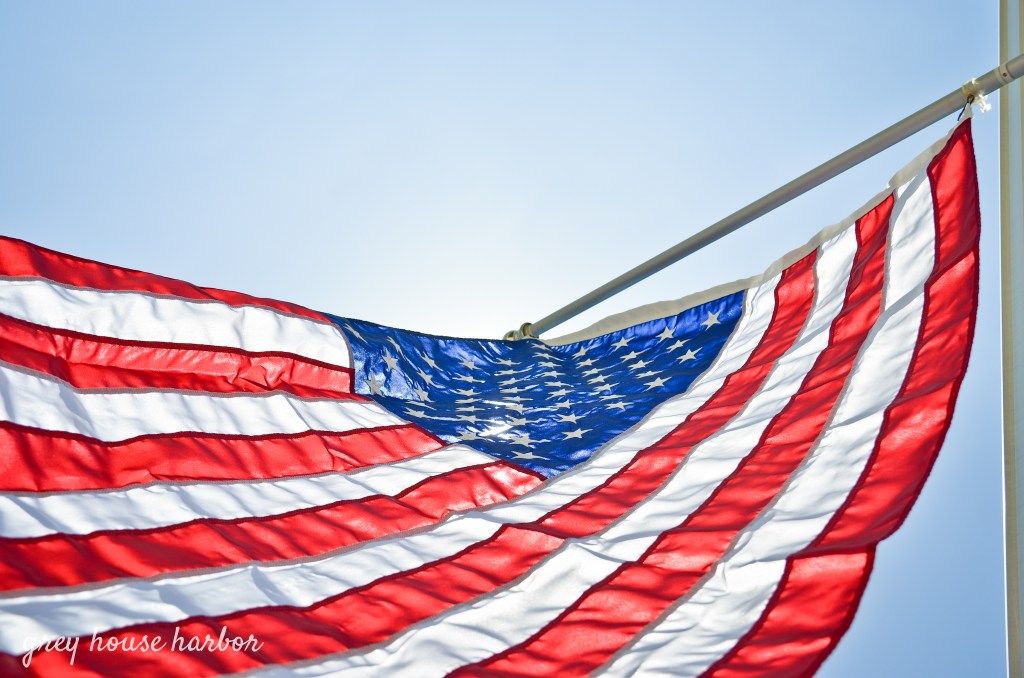 How to Retire an Old American Flag | greyhouseharbor.com