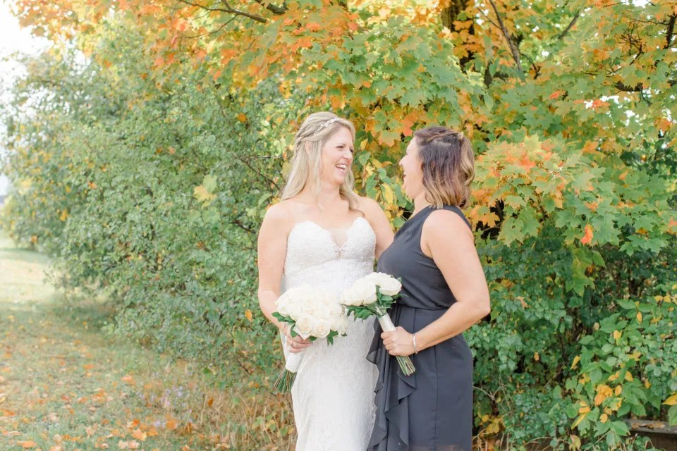 Poses with Bridesmaids - must Have - Holy Spirit Catholic Church Stittsville - Bride with Bridesmaids - Black and White Theme Wedding - Romantic Wedding at NeXt in Stittsville - Grey Loft Studio - Ottawa Wedding Photographer - Ottawa Wedding Photo & Video Team