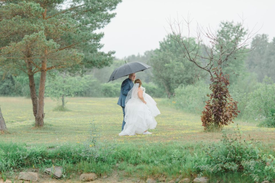 Rain on your Wedding Day - Ottawa - Bride & Groom Formal Portraits - Detail Photos for Micro Wedding - Ideas for what to wear for Wedding Photography, Modern Wedding Inspiration. Romantic Micro Wedding Orchard view - Grey Loft Studio is Ottawa's Wedding and Engagement Photographer for Real couples, showcasing photos that are modern, bright, and fun. Petite Wedding, Elopement Wedding, COVID Wedding Inspiration 2020
