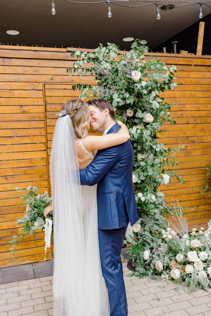 Summer Wedding Side Door Restaurant downtown - Grey Loft Studio - Ottawa Wedding Photographer
