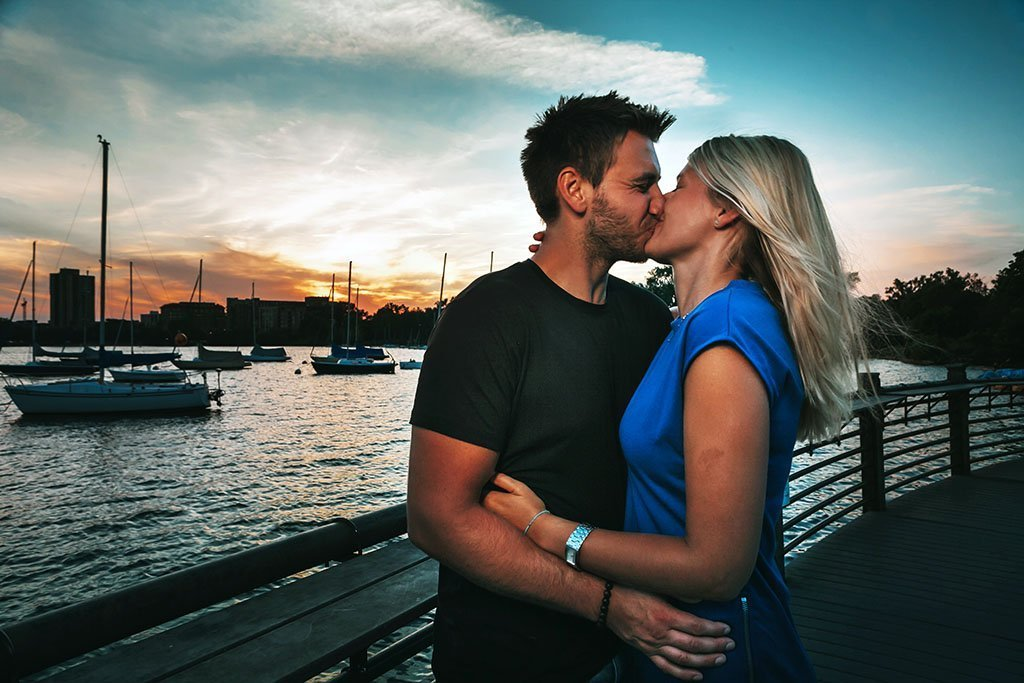 Bde Maka Ska Lake Calhoun Minneapolis Engagement Photographers