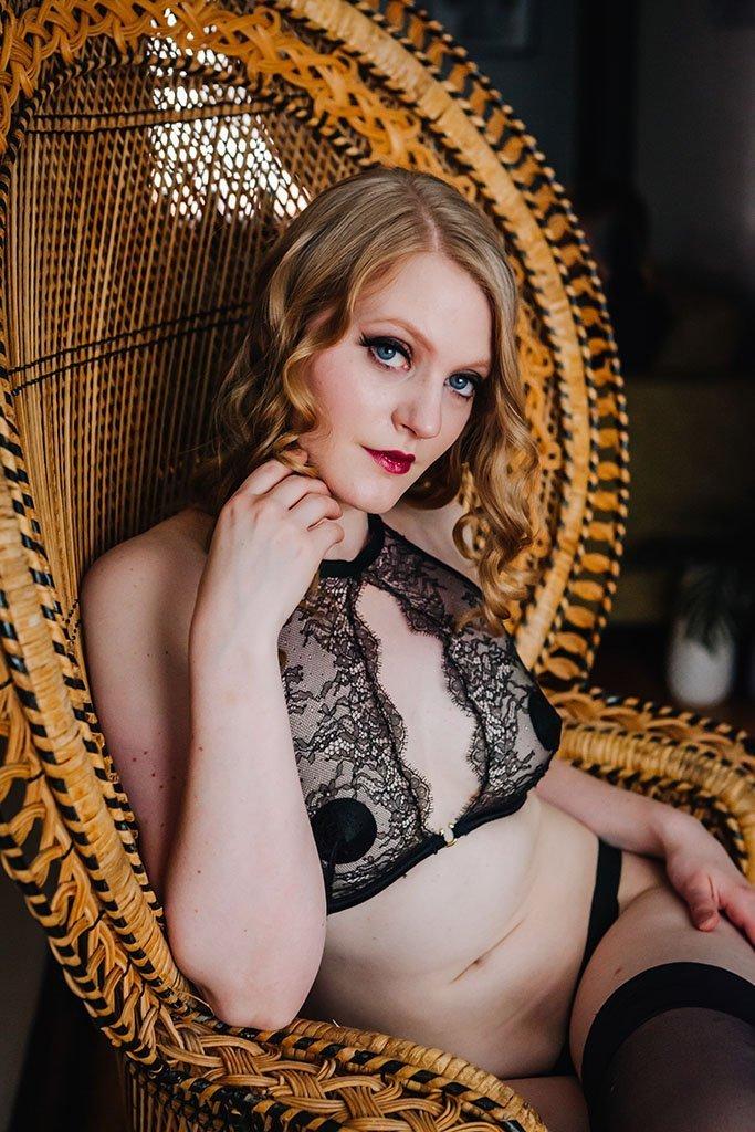 Twin Cities Burlesque Boudoir Photographers, sexy, erotic, classy, adult, intimate, portraits, saint paul, minnesota