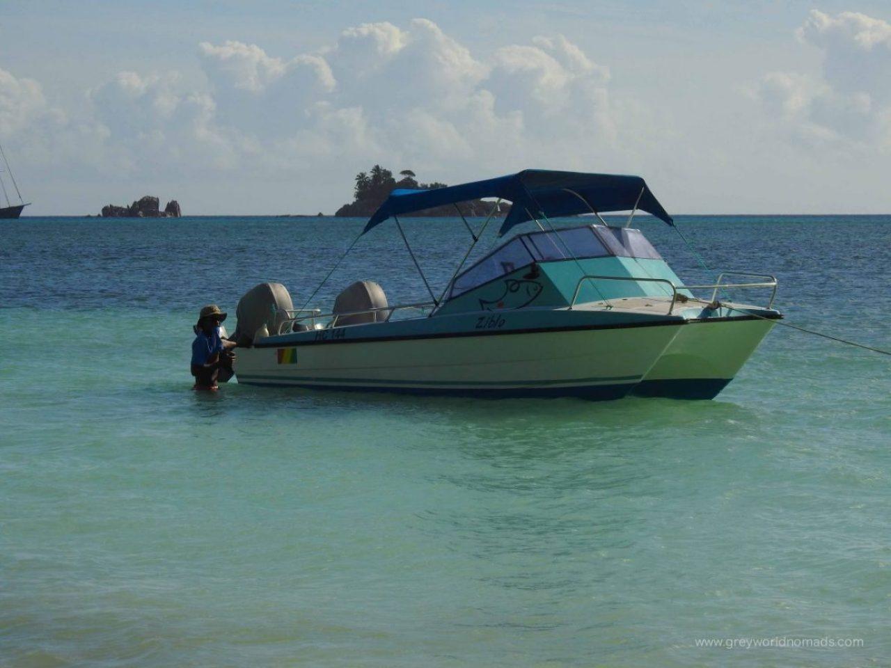 praslin boat tours, curieuse island tour
