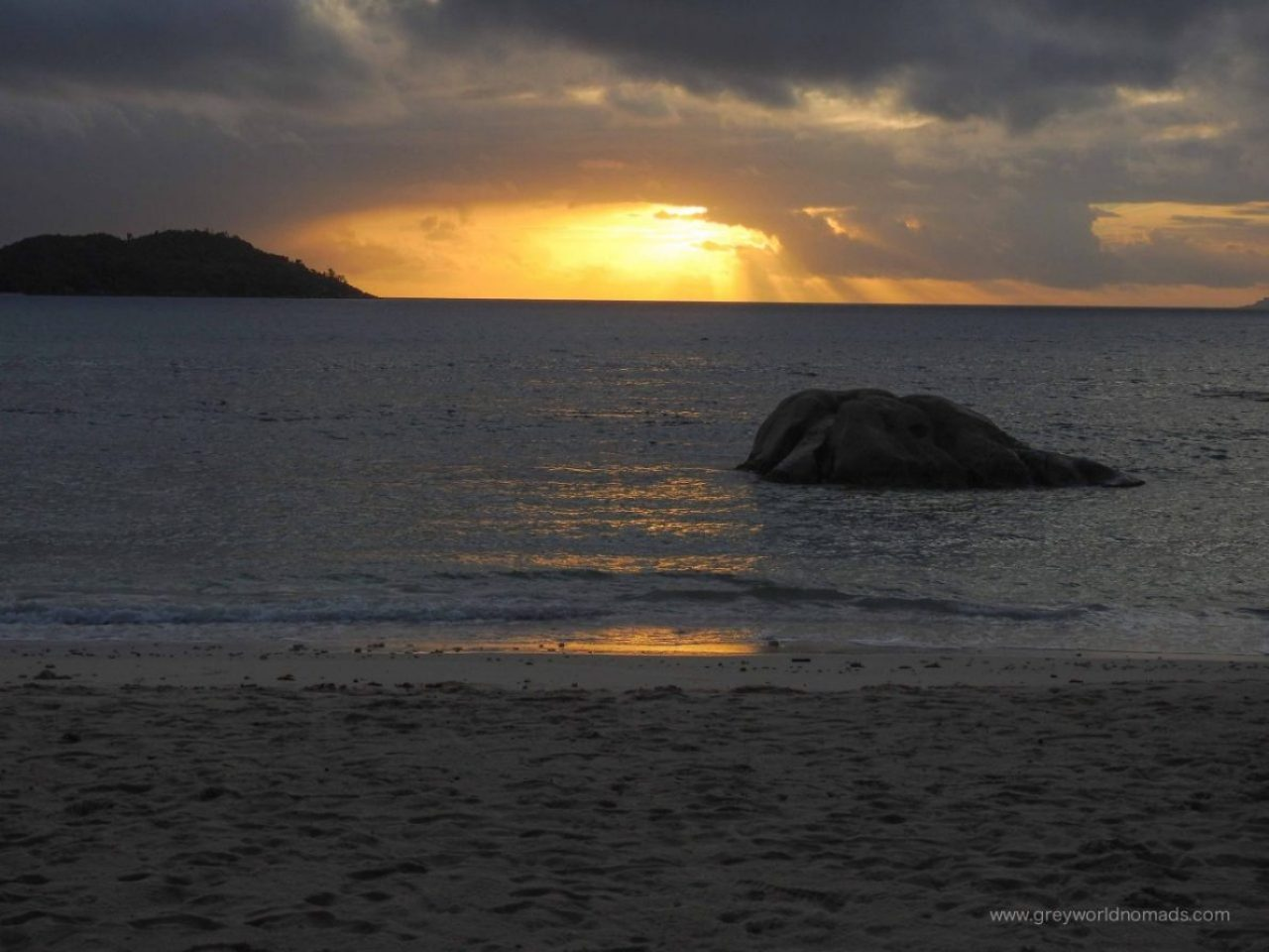 best beaches on praslin, anse boudin praslin