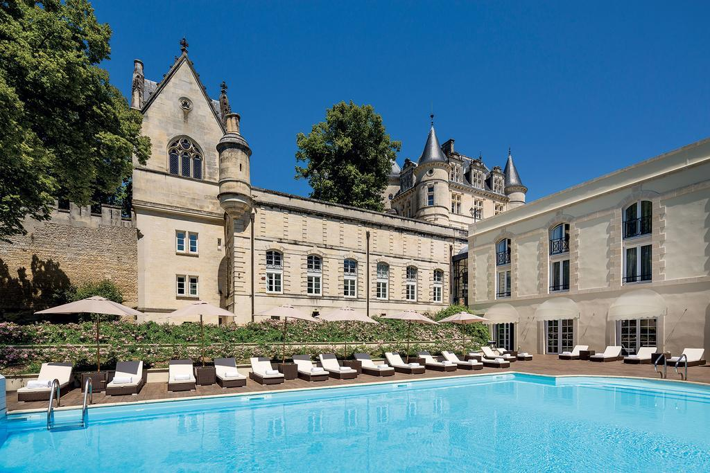 Chateau de Mirambeau - chateau accommodation bordeaux