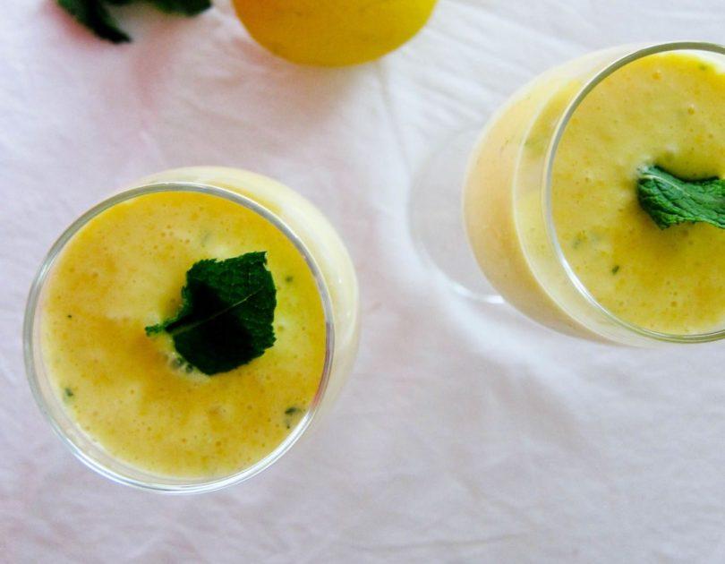 Smoothie með mangó og kókosmjólk