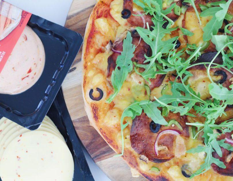 Litrík pizza með vegan áleggi
