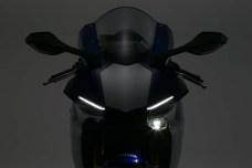 2015-Yamaha-YZF-R1-35