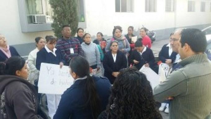 En la lucha. Personal del HG de Gómez Palacio insiste en seguir con las medidas de protesta. (El Siglo de Torreón)