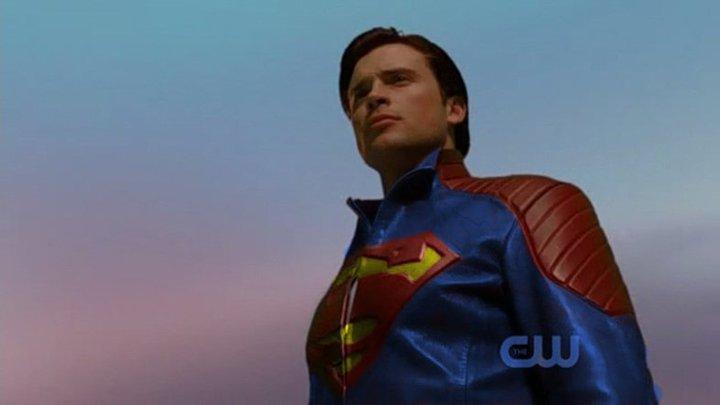 Clark's New Costume (4/6)