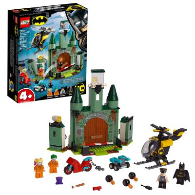 LEGO 76138 Batman & The Joker Escape