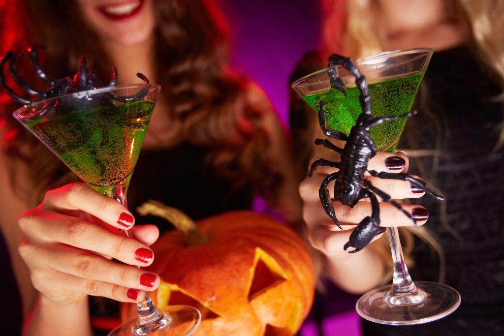 Süßes oder Saures? Bei den Cocktails zu Halloween entscheidet allein der persönliche Geschmack.