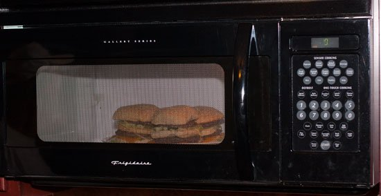 You must microwave your homemade BigMac to reproduce that authentic McDonald's taste - Grilling24x7.com
