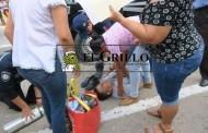 Luis Córdova de desmaya por un ataque de pánico, en una farmacia de Hunucmá