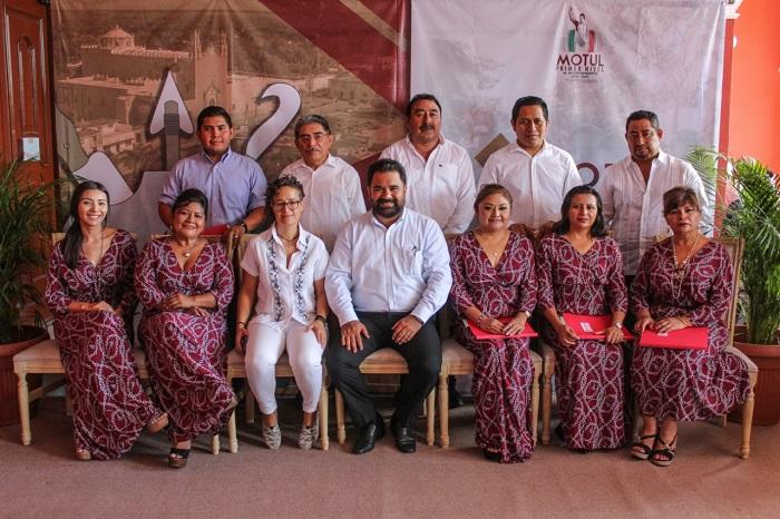 El alcalde motuleño Roger Aguilar rinde su primer informe de gobierno municipal