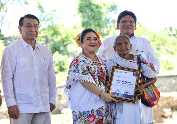 Teabo recibe un reconocimiento por su preservación de la cultura maya