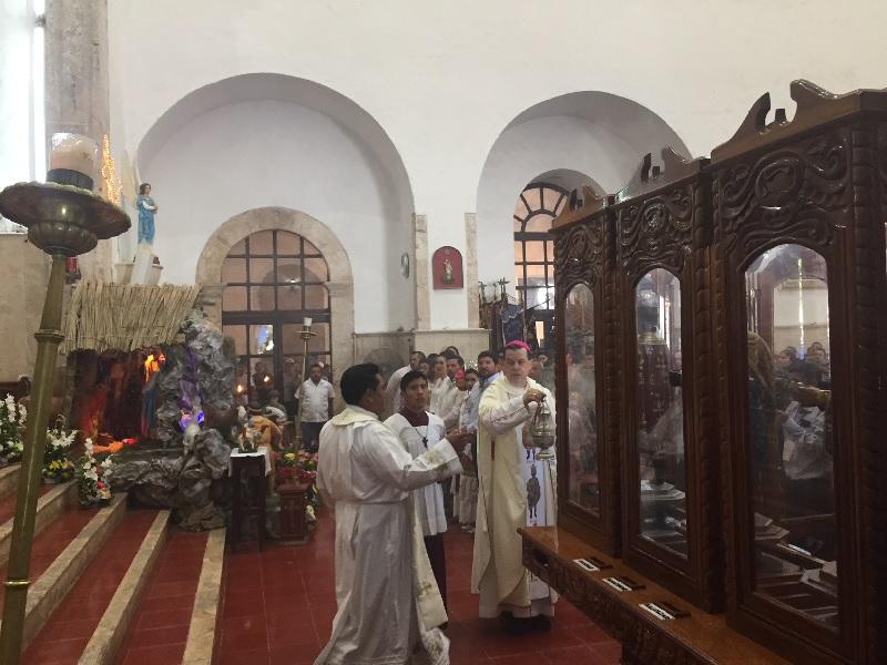 El arzobispo Gustavo Rodríguez Vega pide paz para el mundo