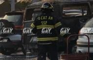 Por una falla mecánica se incendia una combi estacionada, en Galerías: no hay heridos