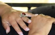 Le corta el pene a su esposo por abusar de ella y su hijo