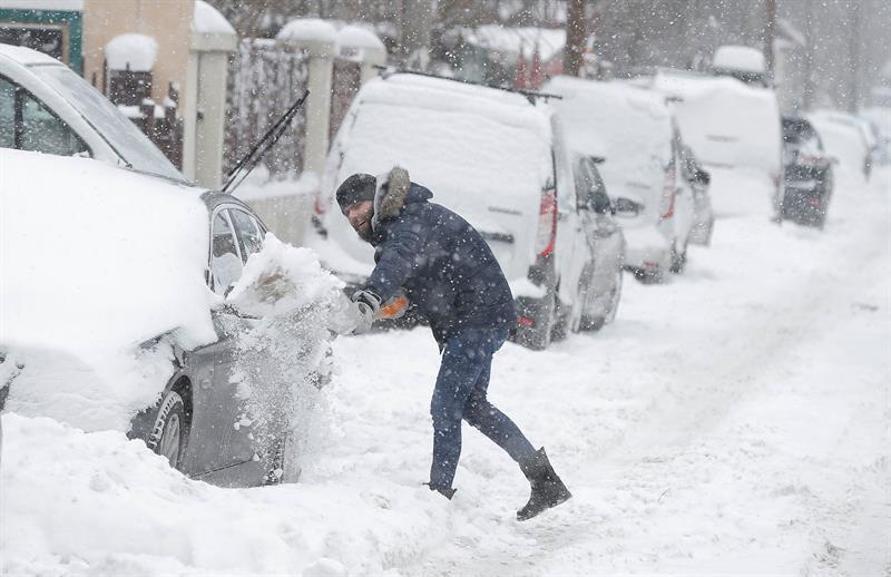 Mueren 13 personas congeladas en Siberia por el frío de 49 grados bajo cero