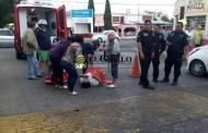 Atropella y deja inconsciente a una mujer que cruzaba un paso peatonal