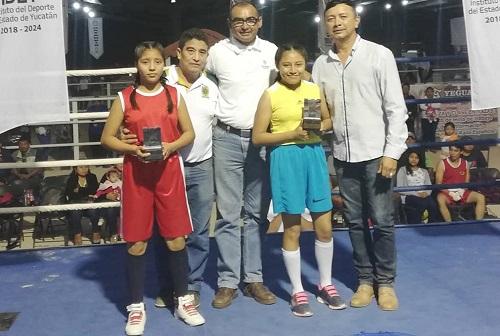 Grandes peleas en torneo de box amateur en la Feria de Reyes de Tizimín
