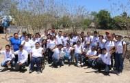 """El PAN y """"Generación Azul"""" limpian las calles del cenote """"Pool Uinic"""