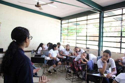 Previenen el consumo de drogas a alumnos de la secundaria
