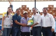 Mauricio Vila inició la entrega de apoyos del programa