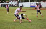 """El """"Caballo Negro"""" sigue cabalgando: el Deportivo Dzan vence 2-0 a los Cuervos en el juego de IDA de la final"""
