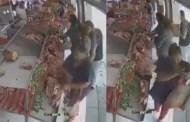 Se robó tres pedazos de carne y la exhiben por ladrona (VÍDEO)