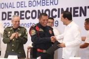 Destacados bomberos reciben apoyo económico por su noble labor