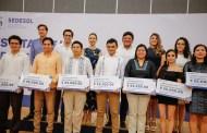 Por sus ideas novedosas, siete yucatecos recibieron el Premio Estatal de la Juventud 2019