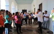 Julián Zacarías entregó un apoyo económico de 300 pesos a empleados sindicalizados
