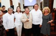 El actor de teatro regional Mario Herrera Flores ganó la medalla