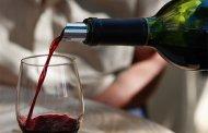 Beber vino tinto ayuda a mejorar la salud intestinal, afirma un estudio
