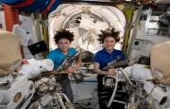 Histórico: Dos astronautas lograron el primer paseo espacial de mujeres
