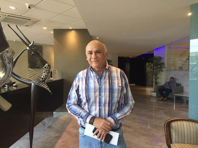 """Escritor yucateco llevará al cine """"De médico a sicario"""""""