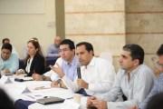 Los momentos de retos financieros son tiempos de oportunidad y de trabajo unido, afirma Mauricio Vila
