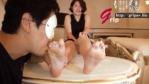身長172cm足のサイズ24cm ビッグ足裏クラッシュ&メッシー/大学生の美那ちゃん