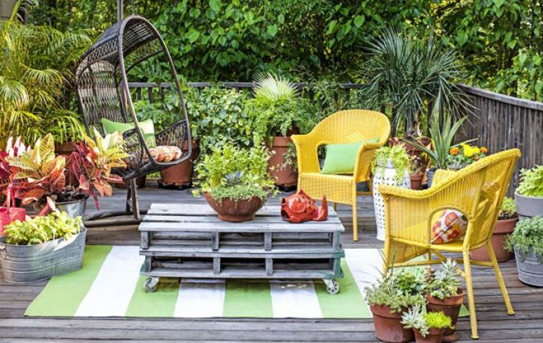 deck ideas for a small backyard