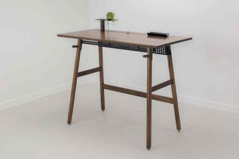 Glossy Desk Ideas