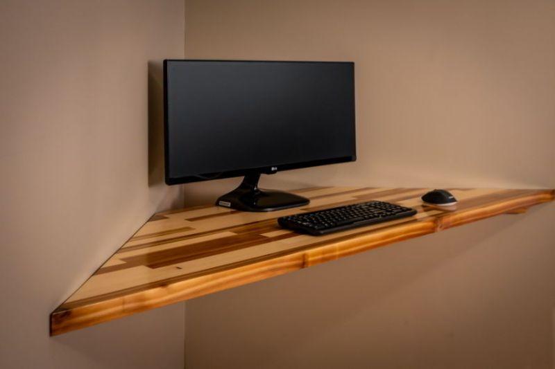 Compact and Minimal Corner desk setup