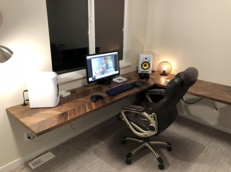 Floating L-shaped Desk Setup