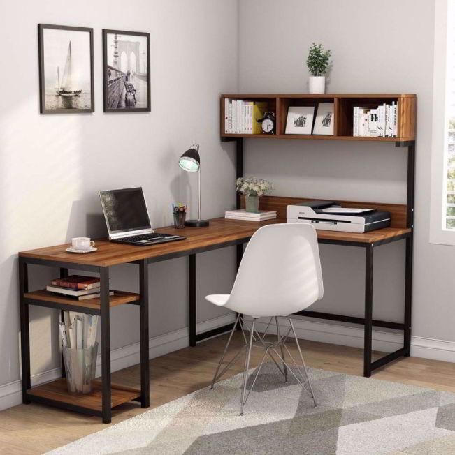 Minimalist L shaped desk setup