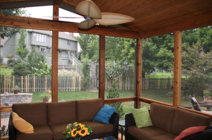 Refreshing Woodland Enclosed Deck