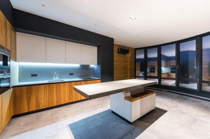 Customize Kitchen Cabinets