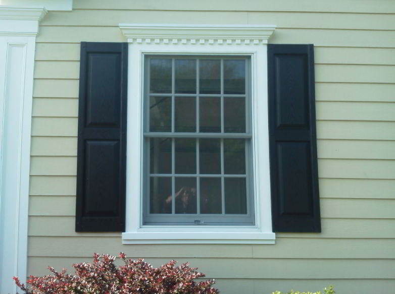 Crown Molding with Accents